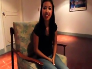 Asian hottie craving for long dick